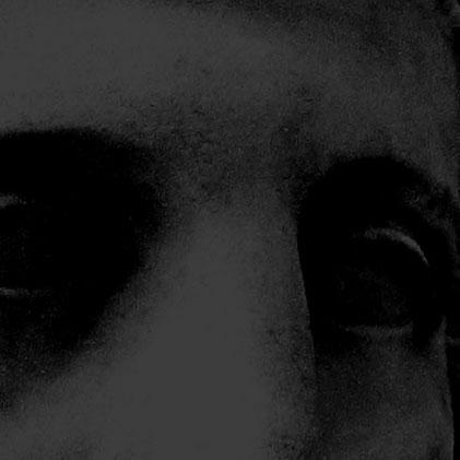 Navigation Image of Greek Statue's Eyes